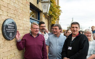 Lowest Pub Plaque Unveiled